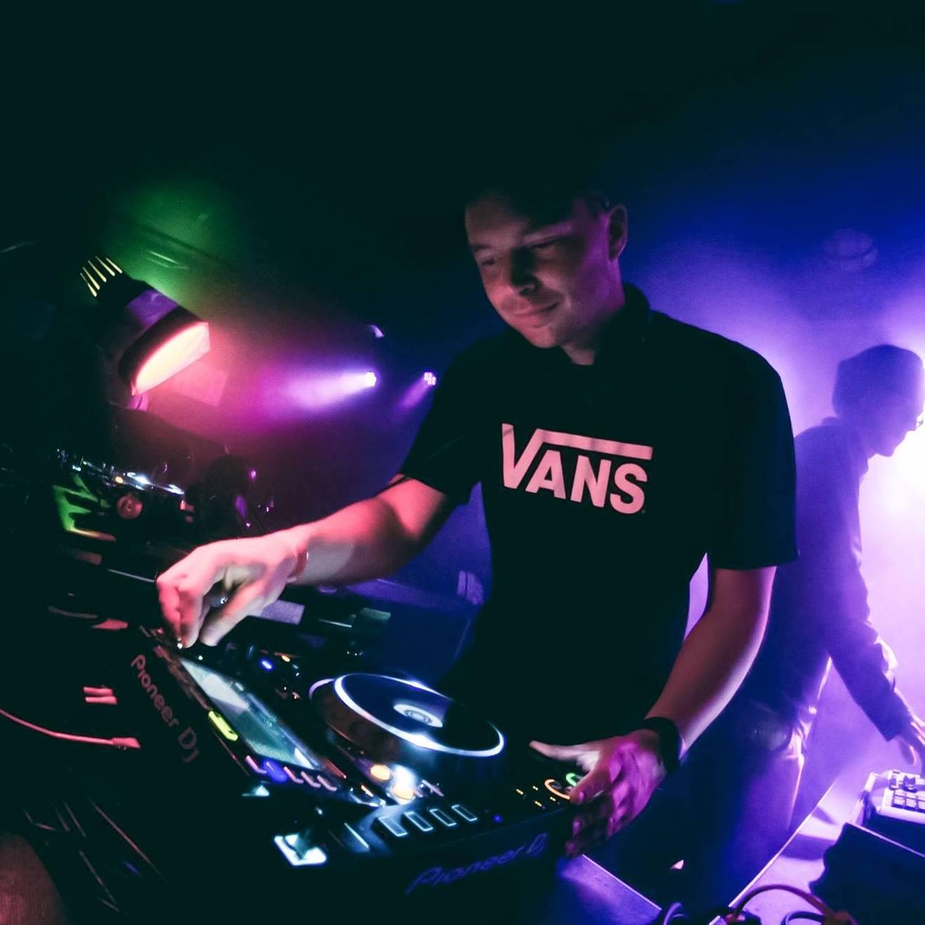 Brian-Brainstorm-DJ